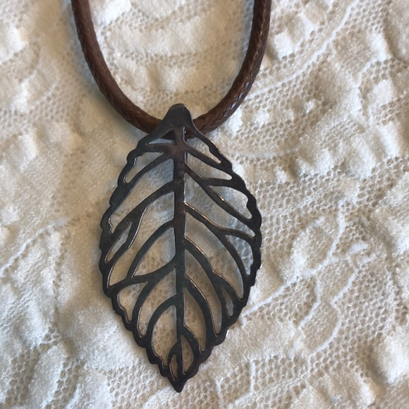 Jewelry - Sterling Silver Leaf & Leather Necklace